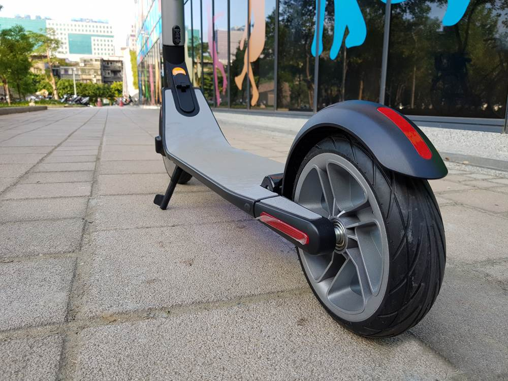 Ninebot ES2 Folding Electric Scooter Offered at $358 99